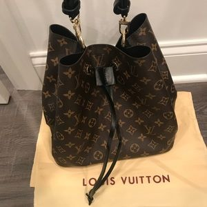 Neonoe handbag